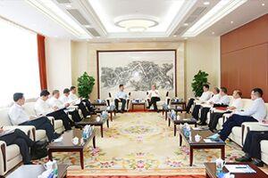 山东省港口集团董事长霍高原一行到访集团